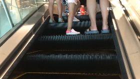 手扶梯咬鞋1800