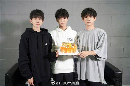 TFBOYS 銀赫 微博