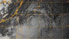 中颱利奇馬還在增強!鄭明典貼雲圖「颱風眼很明確」(圖/NAVY/NRL)