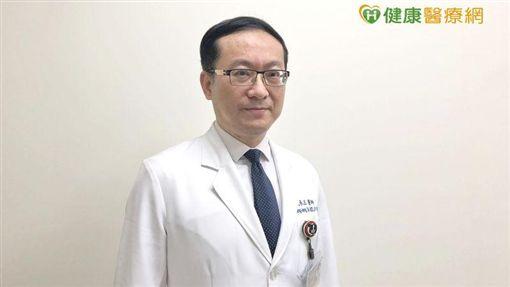 臺北醫學大學附設醫院血液腫瘤科戴承正主任表示,很多病人都是症狀嚴重時才就醫,超過三成病人發現時都已經是晚期或末期的大腸直腸癌。