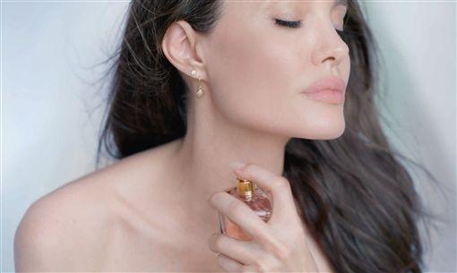 嬌蘭提供(Guerlain)安潔莉娜裘莉(Angelina Jolie)
