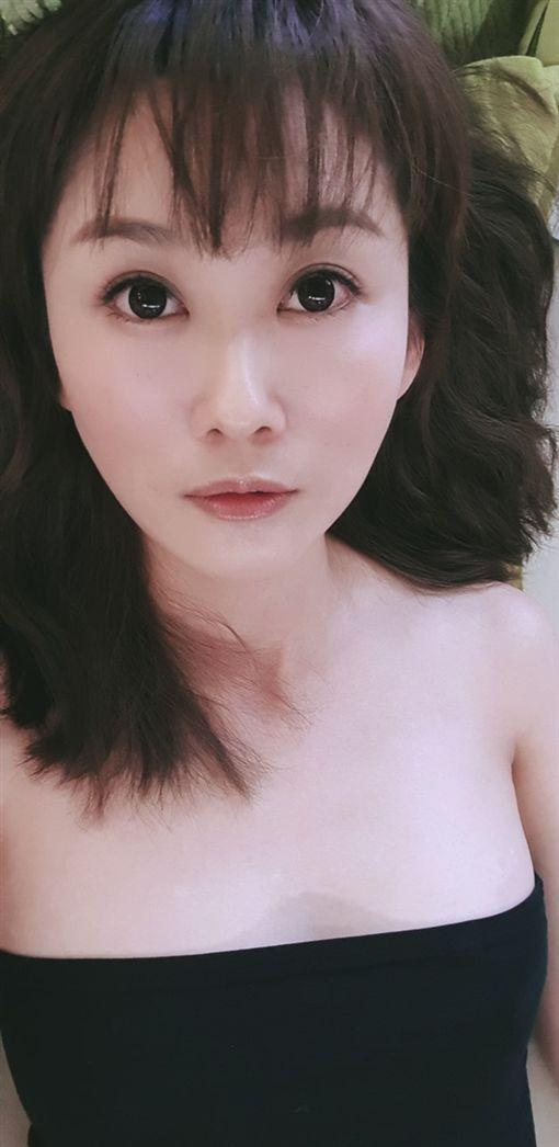 陳珮騏,低胸,性感,七夕/臉書