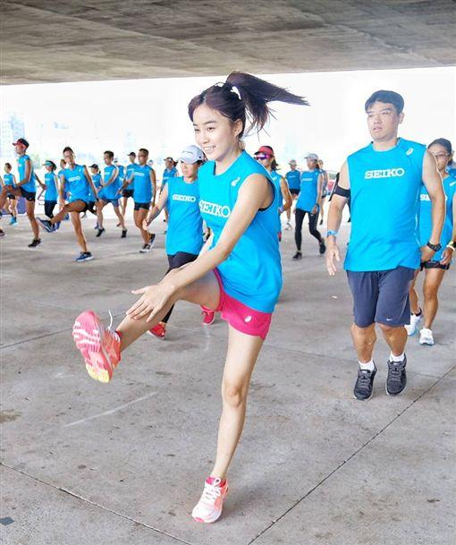 ▲「虎牙甜心」陳伊親自投入「SEIKO X ASICS精準訓練營」課程。(圖/精準訓練營提供)
