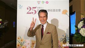 資深藝人石英今(10)日出席肝基會25週年慶。(圖/記者楊晴雯攝)
