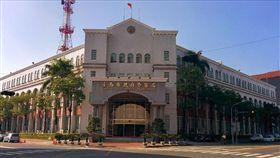 台南,闖紅燈,翻車,尾隨,車禍,台南市警局(圖/翻攝自Googlemap)