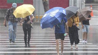 北東防極高溫 中南部山區防大量降雨