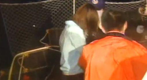 資深媒體人王瑞德在節目《驚爆新聞線》透露,2003年時有位船老大王中興載了13名偷渡女子要來搶灘,沒想到才經過苗栗外海,就遭到海巡署發現,情急之下王中興竟然騙這13名女子說要把她們放在比較淺的地方給她們逃走,但第一名女子才跳下去,就發現根本「踩不到底」,最後造成6名大陸女子慘遭溺斃。圖/影片截圖