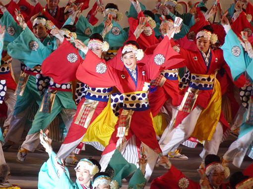 日本高知縣,夜來祭,台灣學童,泰雅族舞蹈,吸睛(圖/中央社)