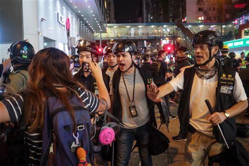 香港,反送中,警民衝突,香港醫護,港警,重現六四(圖/中央社)