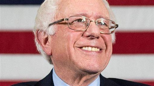 美國華盛頓州,7旬夫婦,陳屍家中,老翁殺妻,自殺,健保(圖/Bernie Sanders臉書)