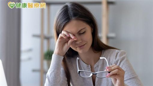 一般民眾誤解眼睛乾只是因為淚水不夠,但除了淚液分泌不足,油脂分泌不足而導致蒸發速度太快也很常見。