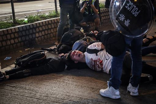 香港,反送中,集資,警黑暴力,達標(圖/中央社)