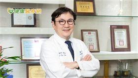吳麥斯院長強調,「洗腎不再只重成效,生活品質也是關鍵,與其問透析方式適合哪種患者,不如問患者的生活型態來選擇合適的治療。」