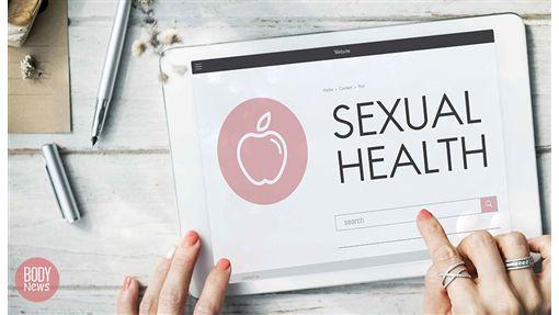 林立荃 women health sexual ipad 指甲 筆 桌子