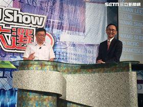 台北市長柯文哲及美麗島電子報董事長吳子嘉。(圖/記者李依璇攝影)