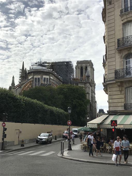 法國,巴黎聖母院,失火,傾塌,鉛汙染,熱浪(圖/中央社)