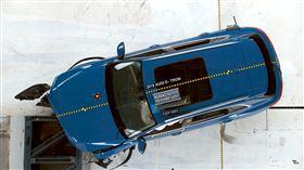 ▲Audi E-Tron SUV撞擊測試。(圖/翻攝網站)