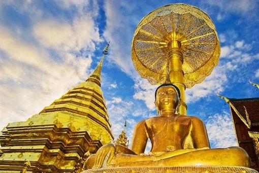 1 shutterstock_55474252(Wat Doi Suthep In Chiangmai Thailand).jpg