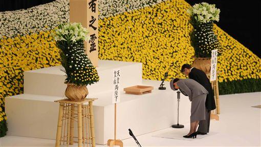 二戰結束74週年 日皇德仁追悼式致詞受關注日本在二次大戰戰敗至今歷經74年,日本政府15日在東京武道館舉行全國戰歿者追悼儀式。5月即位日皇的德仁首度出席追悼儀式,致詞內容受注目。中央社記者楊明珠東京攝 108年8月15日