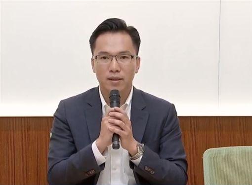 ▲民進黨高雄市議員林智鴻,出示證據打臉韓國瑜,麻將照片的確由三星手機拍攝