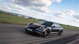 ▲Porsche首款純電跑車Taycan預購開紅盤。(圖/Porsche提供)