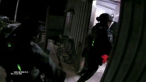 台北,刑事局,軍火工廠,改造槍枝,槍砲彈藥刀械管制條例,售後服務。翻攝畫面
