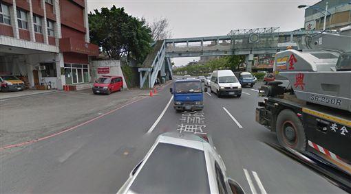 騎士偷吃步!紅燈上人行道轉彎 法官竟認證:不算闖紅燈(圖/翻攝自Google Map)