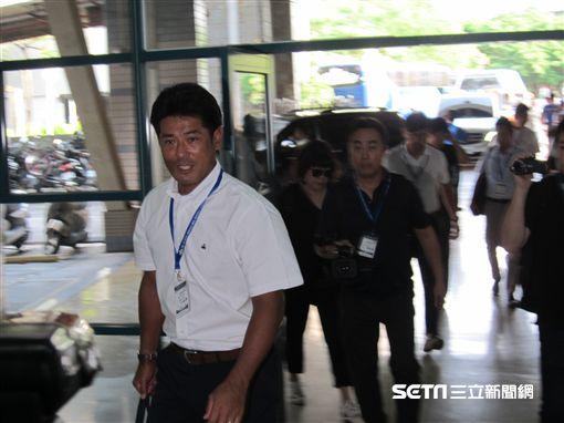 ▲日本隊監督稻葉篤紀團隊走訪新莊球場。(圖/記者蕭保祥攝影)