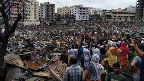 孟加拉貧民窟釀大火!5萬人無家可歸(圖/翻攝自Fire in Chalantika Slum Mirpur YouTube)