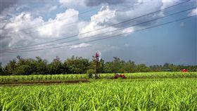 農田https://www.flickr.com/photos/beegee49/17137465566/in/photolist-s7nZsf-3yrcY-4f81Fk-Wts6eM-qGzGvm-4UrEq2-oJnJ1e-98wLHC-oAn5D4-6BK5dt-2d2acwP-beYQee-g2GybS-74jLwj-o22uWa-6AVGj-8gpmxK-23pVyKt-7tMPVr-a