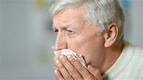 可別小看這樣的症狀,一旦喉部肌肉力量持續退化,咳嗽不足以清乾淨掉入氣管的水或食物,久而久之很可能引發細菌感染、甚至肺炎等症狀。