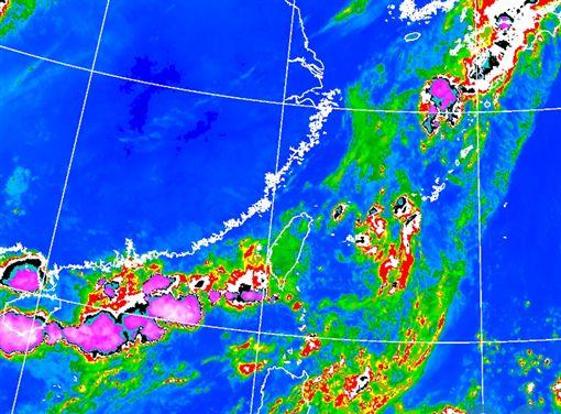 2低壓在門口!全台雨、中南部防劇烈天氣 颱風最快明生成翻攝自中央氣象局