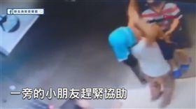 新北消防發爾麵,電梯,繩子,勒脖,吊掛,男童,驚悚(圖/翻攝自臉書《新北消防發爾麵》)