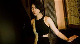 男星李亞鵬小16歲的「短髮女友」Susie/微博