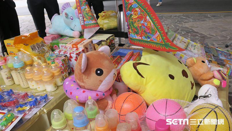 方便嬰靈取用!普渡來不及長大的孩子 這醫院準備矮桌玩具