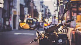 機車,油門,騎士/pixabay