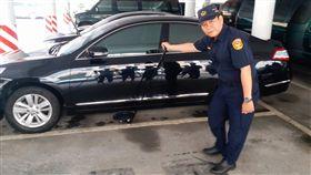 高雄市政府警察局市長座車維安。