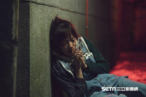 焦曼婷拍攝《靈異街11號》傷妝很有感 爸爸焦恩俊探班亂入 圖/LINE TV提供