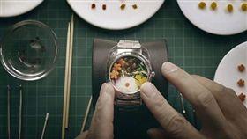 日本,手錶,便當。(圖/翻攝自YOUTUBE)