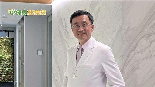 李新揚理事長說,治療上可以幫病患施打適當的排卵針,選擇正確排卵針及調整適當劑量能促進卵泡發育。