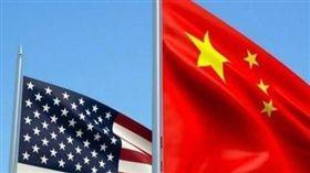 美中貿易戰,中國大陸,政府,內鬥,習近平,中國國旗,美國國旗(圖/翻攝自微博)