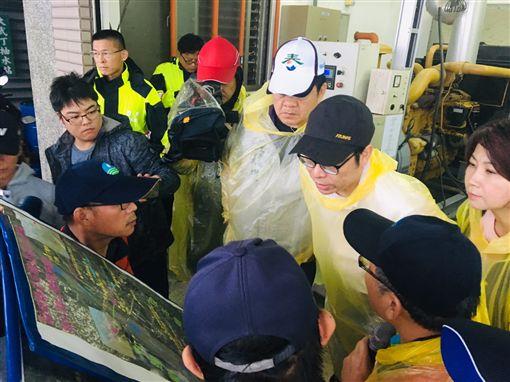 行政院副院長陳其邁24日赴屏東視察水情。(圖/翻攝陳其邁臉書)