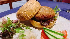 圖/記者谷庭攝,臭豆腐漢堡