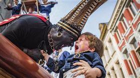 比利時,Ducasse d'Ath,野蠻人,種族歧視,黑臉扮相(圖/facebook.com/bruxellespantheres)