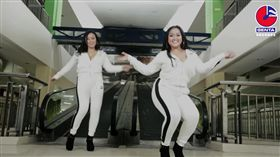 印尼女團「Duo Semangka」。圖翻攝自YT