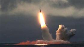 俄羅斯24日宣布試射兩枚飛彈,暗示著對美國做出反擊。(圖/翻攝自ABC新聞)