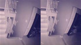 鬼魂,鬼影,鬼月,監視器,貓,鬼,美國,長島,廚房,樓梯,蜘蛛網,灰塵, 圖/翻攝自YouTube