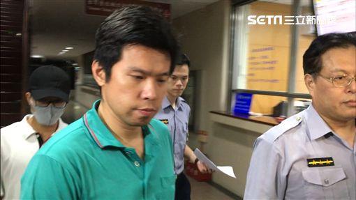 私菸案,國安局少校吳宗憲(左)、張恒嘉,分別被以100萬元交保。(圖/記者楊佩琪攝)
