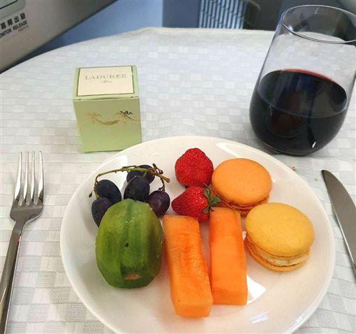 長榮飛瑞士商務艙 飛機餐