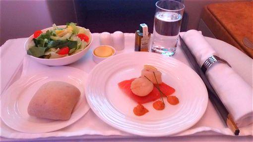 阿聯酋飛歐洲頭等艙 飛機餐